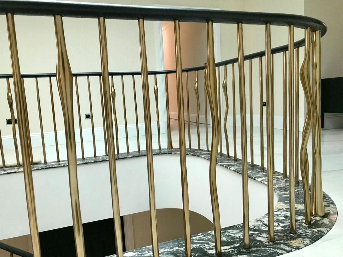 boo6 Heronswood Staircase