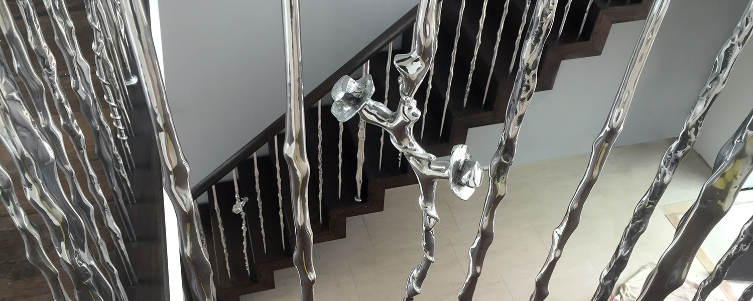 linda-m-1 Rose & Thorn Balustrade